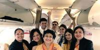 ایئر ہوسٹس ماں کی آخری فلائٹ بیٹی نے اڑائی