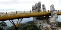 ہاتھوں پرتعمیر ویتنام کا گولڈن برج