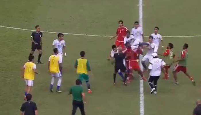 فٹ بال کےدوستانہ میچ دشمنی میں بدل گیا