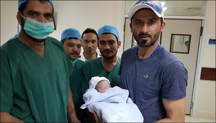قومی ٹیم کے فاسٹ بولر جنید خان کے گھر بیٹے کی پیدائش