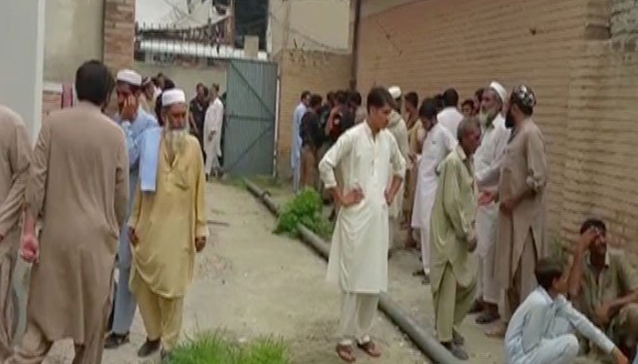 چارسدہ :دوگروپوں میں فائرنگ ،6 افراد جاں بحق