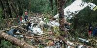 انڈونیشیا میں طیارہ کو حادثہ ، 8 افراد ہلاک