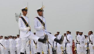پاک بحریہ نے مزار قائد پر فرائض سنبھال لیے