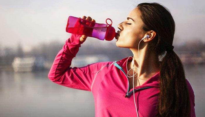 ٹھنڈا پانی پینے سے وزن کم کیا جاسکتا ہے؟