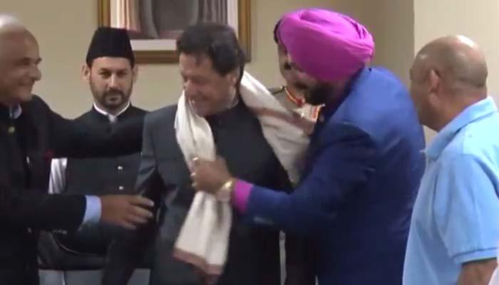 وزیر اعظم کی ساتھی کرکٹرز سے ملاقات، پلیئرز ڈویلپمنٹ پروگرام کی تعریف