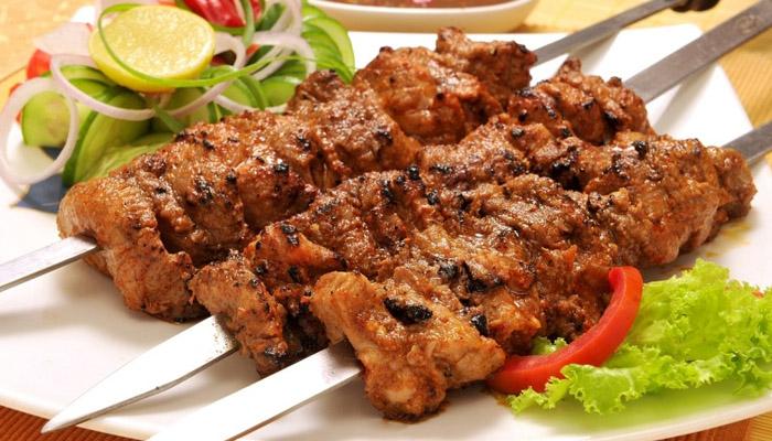 عیدالاضحی پر گوشت احتیاط سےکھائیں