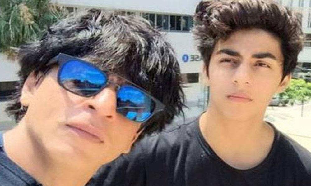 کرن جوہر شاہ رخ خان کے بیٹے آریان کو متعارف کرائینگے
