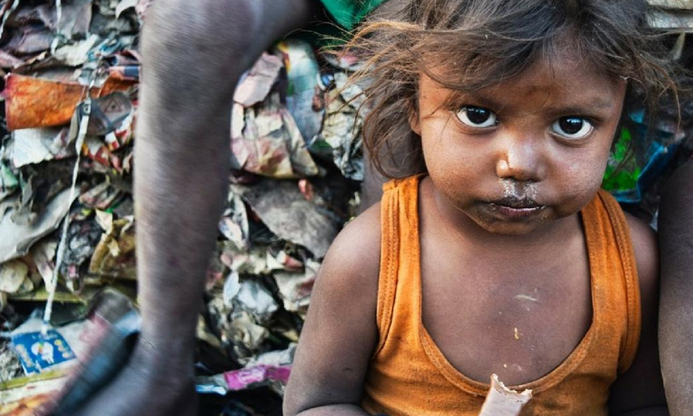بھارت میں 1 ارب سے زائد لوگ غربت کا شکار ہیں