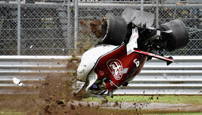 اٹلی میں کار ریس سے قبل پریکٹس کے دوران خطرناک حادثہ