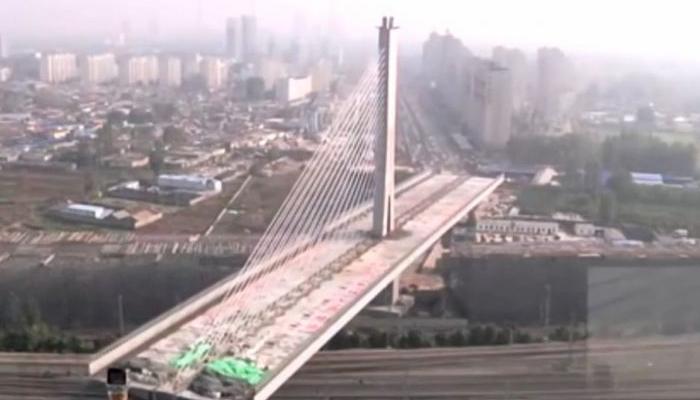 چین میں دنیا کا پہلا سو ڈگری پر گھومنے والا پل