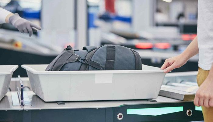 ایئرپورٹ سیکیورٹی ٹریز میں ٹوائلٹ سے زیادہ وائرس