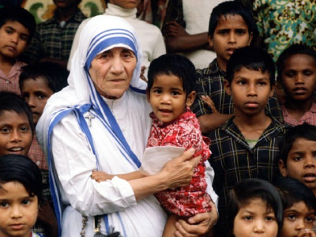 مدر ٹریسا کی انسانیت کے لیےخدمات،آج بھی دلوں میں زندہ