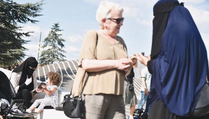 ڈنمارک :نقاب اوڑھنے پر مسلمان خاتون پر جرمانہ عائد