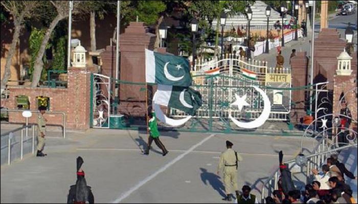 واہگہ بارڈر پر پرچم اتارنے کی پروقار تقریب