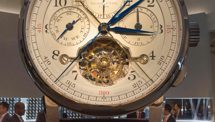 ہا نگ کانگ میں گھڑیوں کی سب بڑی نمائش کا انعقاد