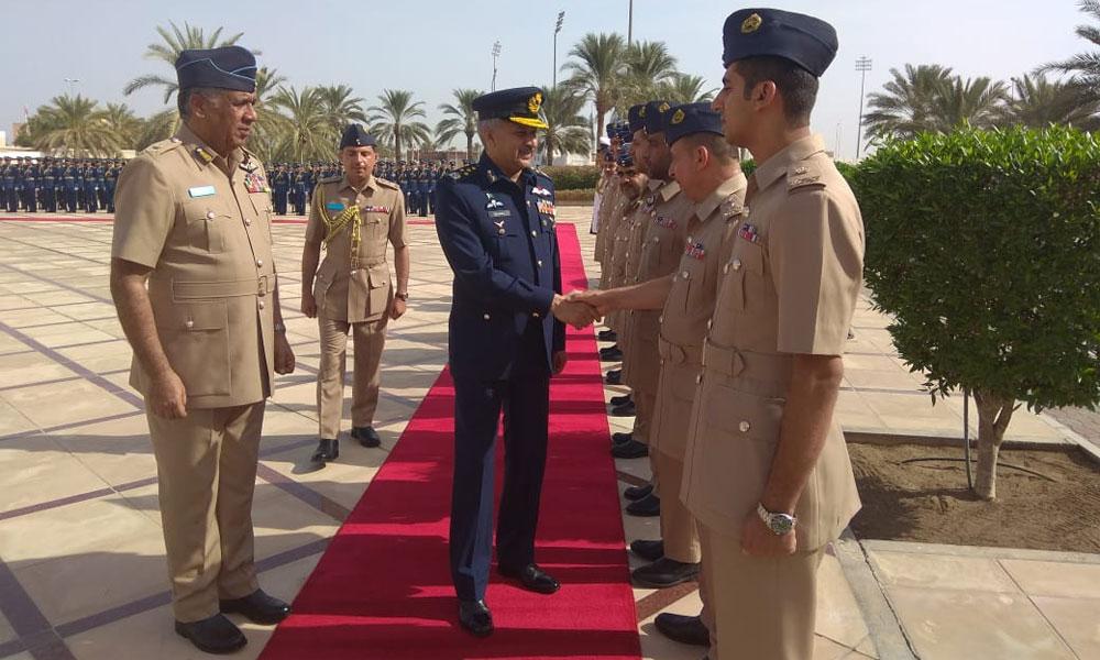 پاک فضائیہ کے سربراہ کا رائل عمان فضائیہ کا دورہ
