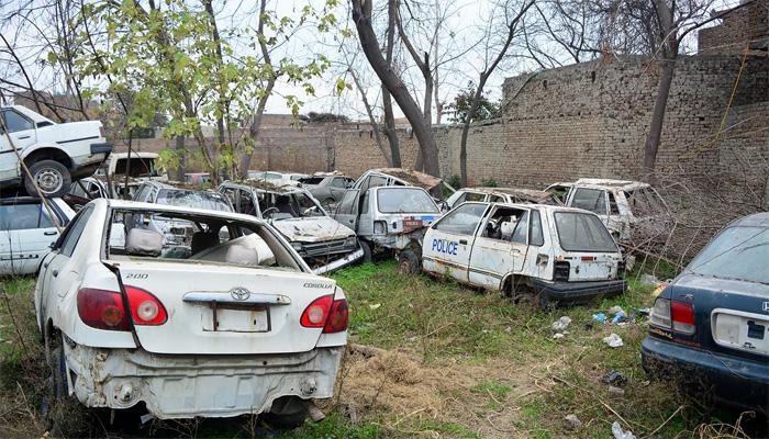 کراچی میں سرکاری گاڑیاں کون چھین رہا ہے ؟