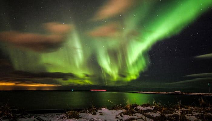 فن لینڈ میں آ سما ن پر رنگوں کے انو کھے نظا رے