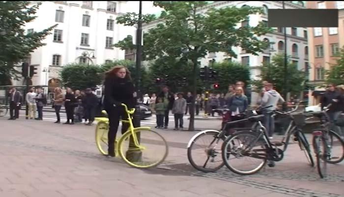 سائیکل ہیلمٹس کی جگہ ہوا بھرے کالر نما ہڈز آگئے