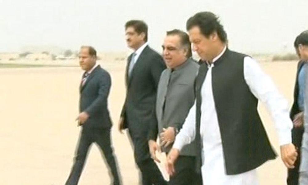 وزیر اعظم کی کراچی آمد، مزار قائد پر حاضری