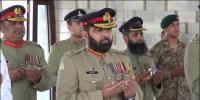 نئے کورکمانڈر کراچی کی مزار قائد پر حاضری
