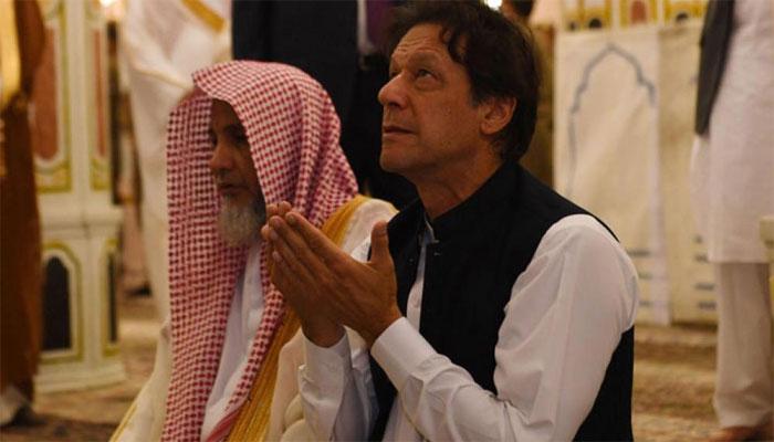 عمران خان کے لیے خصوصی طور پر خانہ کعبہ کا دروازہ کھولا گیا