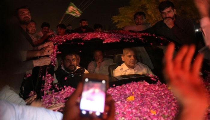 نواز شریف کی رہائی اور لاہوریوں کا ردعمل