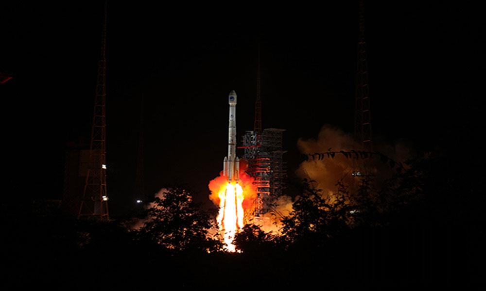 چین کے 2 سیٹلائٹس خلاء میں روانہ