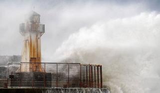 آئرلینڈ اور برطانیہ میں سمندری طوفان، 2 ہلاک
