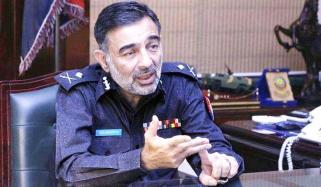 ''ڈیرہ اسماعیل خان میں جلوس کے قریب دہشت گرد مارا گیا''