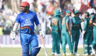 افغانستان نے 42 اوورز میں 4 وکٹ پر 188 رنز بنالئے