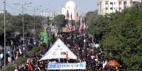 کراچی میں یوم عاشور کا جلوس روایتی راستے پر گامزن