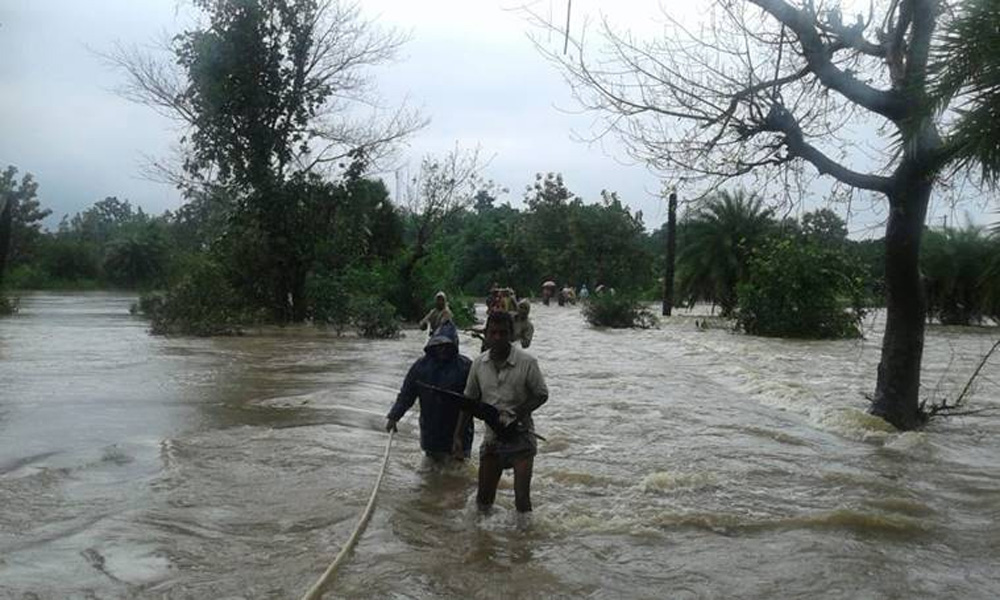 بھارت میں طوفان دائے نے تباہی مچا دی