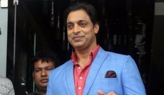 شعیب اختر نے بھارتی اینکر کو کھری کھری سنادیں