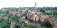 تاج محل کے علاوہ بھارت کے دیگر تاریخی مقامات
