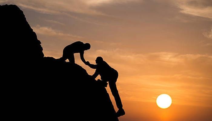 آج کی بات: ایک دوسرے کی مدد کریں