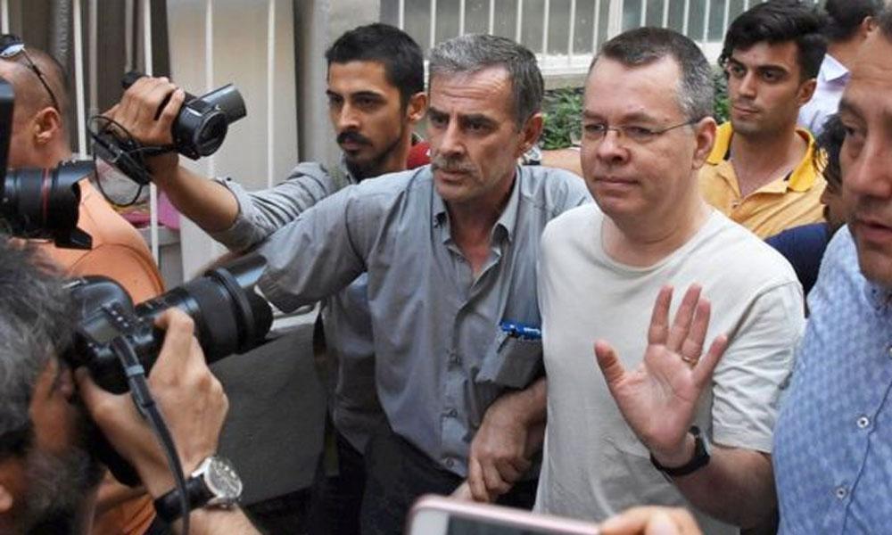 ترکی میں رہائی پانے والے امریکی پادری امریکا روانہ