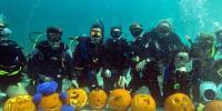 سکوبا ڈائیورز ہیلووین تہوار منانے سمندر میں پہنچ گئے