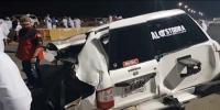 امارات میں ریس لگاتی گاڑی ریلنگ سے ٹکرا کر تباہ