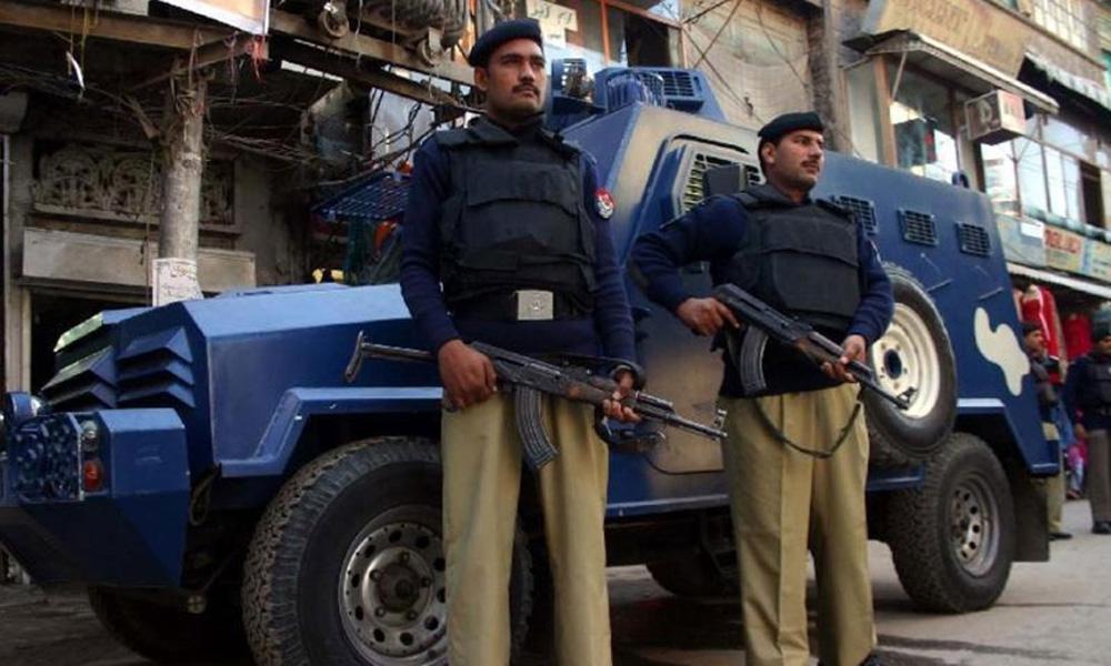 کراچی، نارتھ ناظم آباد میں پولیس کا ڈاکوؤں سے مقابلہ