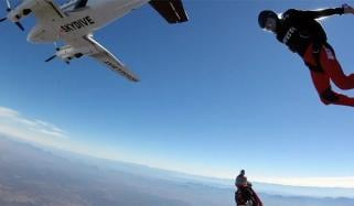 Plane Crazy Adventurous Does Dangerous Stunt From Cliff On Plane Idaho