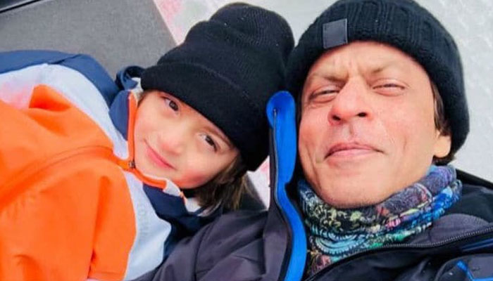 ماں ملکہ تو بیٹا شہزادہ، شاہ رخ خان کا بیٹے کو پیغام