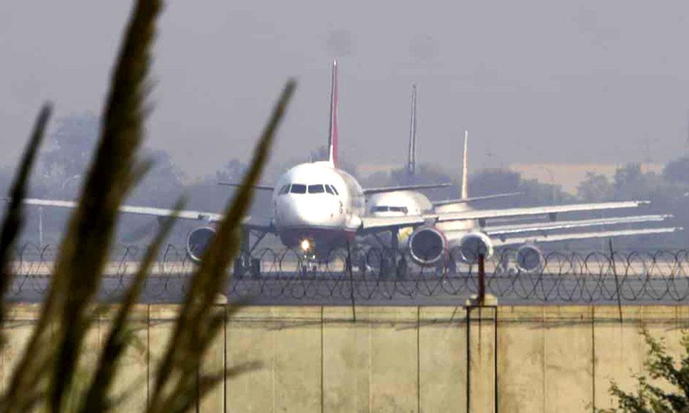 افغان طیارے کا دہلی ایئرپورٹ پر ہائی جیک الرٹ