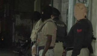 Police And Rangers Search Operation In Karachi
