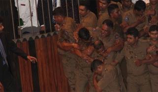 Sri Lanka Parliment Chilli Powder Chair Thrown