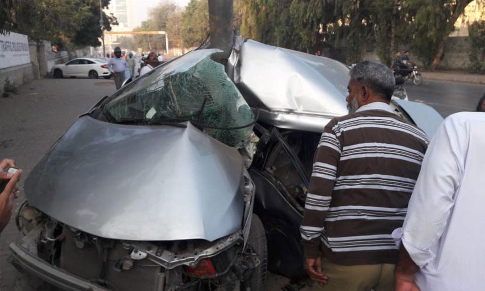شیخوپورہ میں 2 کاروں میں تصادم، 2 افراد جاں بحق