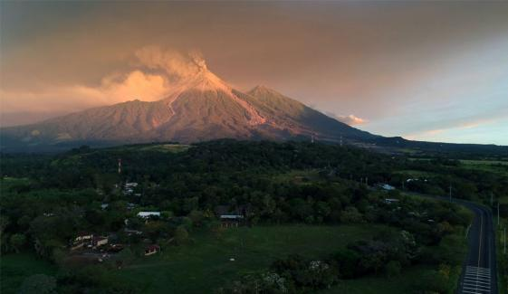 Guatemalas Volcano Eruption Thousands Of People Transferred Safe Areas