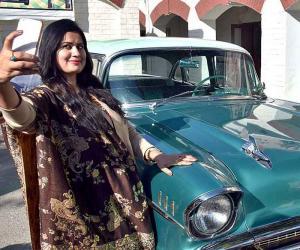 پشاور میں کلاس کار ریلی کی نمائش