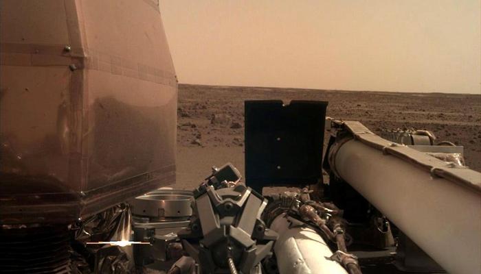ناسا کے خلائی جہاز انسائٹ نے مریخ سے زمین پر پہلی تصویر بھیج دی