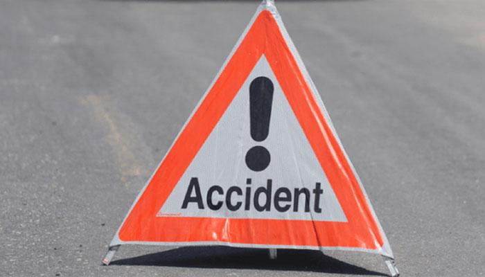 بہاول نگر: مسافر بس الٹنے سے خاتون سمیت 2 افراد جاں بحق